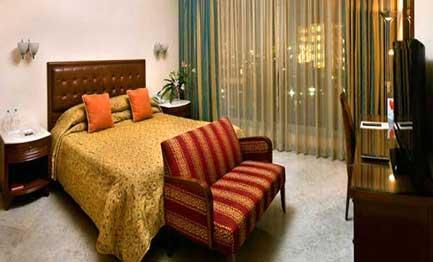 Mumbai room escorts service room